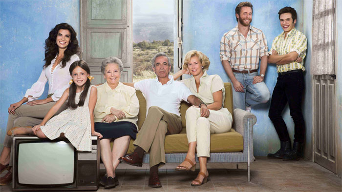 Actores de Cuéntame, incluyendo a Pilar Punzano. Foto: RTVE.