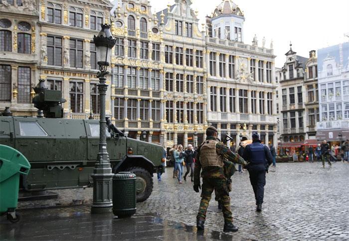 Bruselas, tomada por la policía tras los atentados. Foto: TV.